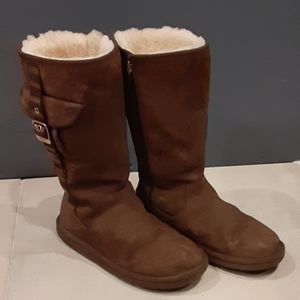 ❤UGGS LEATHER BOOTS❤